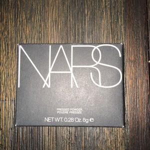 Nars Pressed Powder in Flesh. new, unopened in box